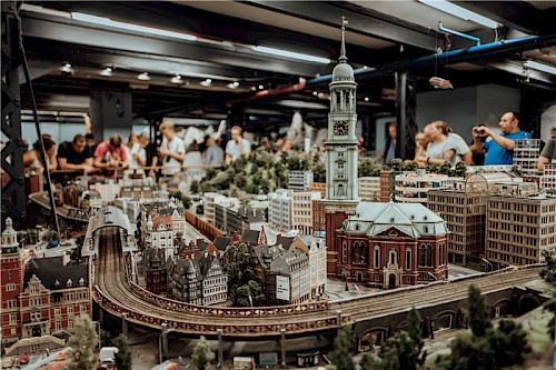 /site/assets/files/2423/das_miniatur_wunderland-1_500x0-is.jpg